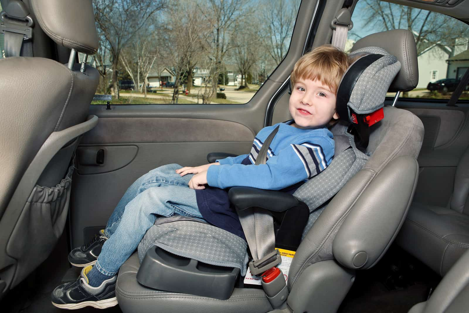 car safety tips for children breakerlink blog. Black Bedroom Furniture Sets. Home Design Ideas