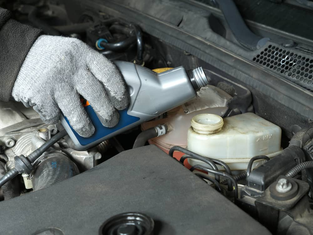 How to Change the Oil in Your Car with Pictures  wikiHow