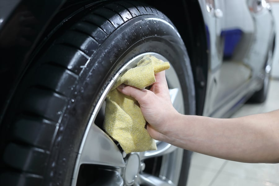 how to clean car tires and rims